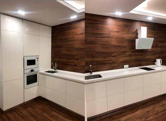 Фото Кухня МДФ Краска с пеналом и каменной столешницей