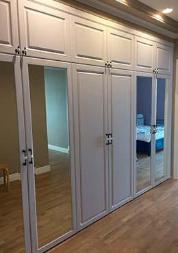 Фото Шкаф белый с зеркалами из МДФ