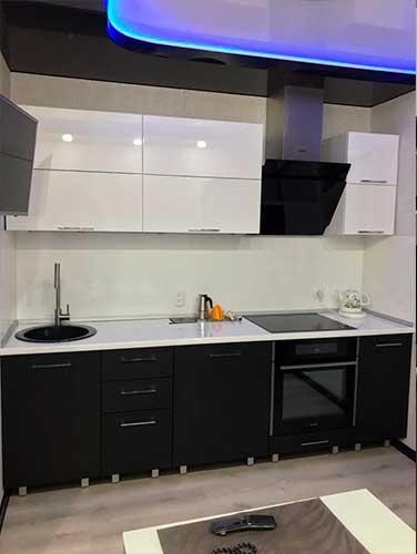 Фото Кухня-выполненная-на-заказ Бело черного цвета